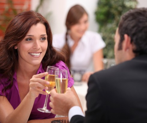 How To Find The Right Dating Program To Attract Women Successfully